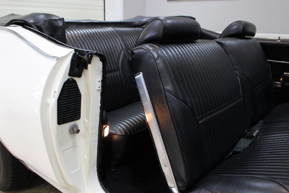 1969 Oldsmobile 442 V8 Convertible Auto | Restored For Sale (picture 15 of 25)