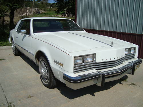 1981 Oldsmobile Toronado Brougham Coupe For Sale (picture 1 of 6)