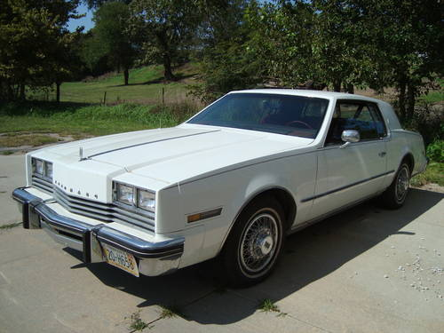 1981 Oldsmobile Toronado Brougham Coupe For Sale (picture 2 of 6)