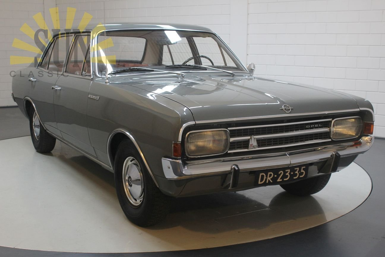 Opel Rekord 1900 1967, in original condition. For Sale (picture 4 of 6)