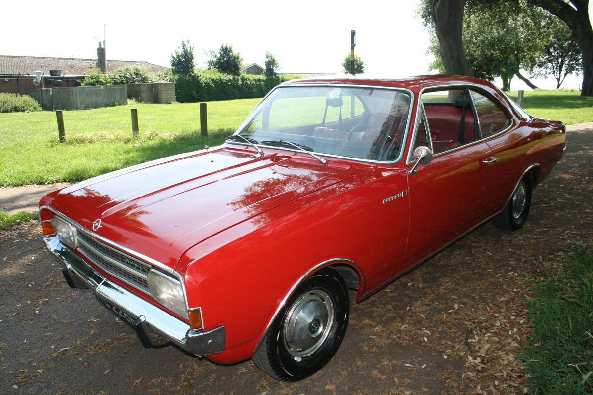 1967 Beautiful Rekord 1900 Coupe LHD For Sale (picture 1 of 6)