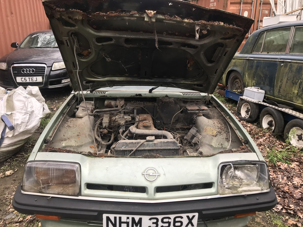 1982 Opel manta  petrol auto - low milage For Sale (picture 5 of 6)