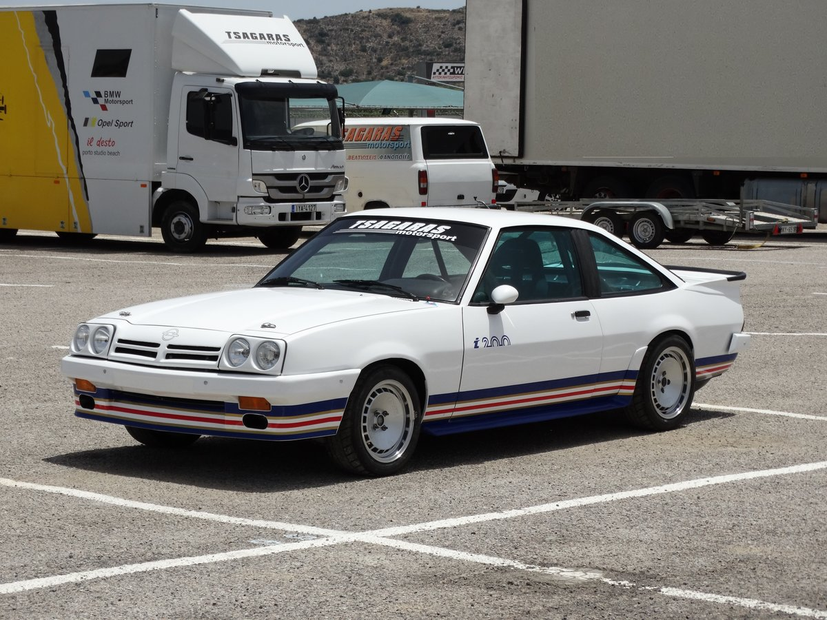 1982 Opel Manta i200 Group B track car For Sale (picture 1 of 6)