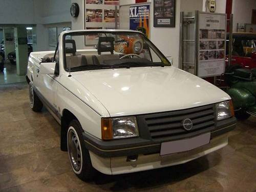 OPEL CORSA 1.2 CABRIOLET - 1985 For Sale (picture 1 of 6)