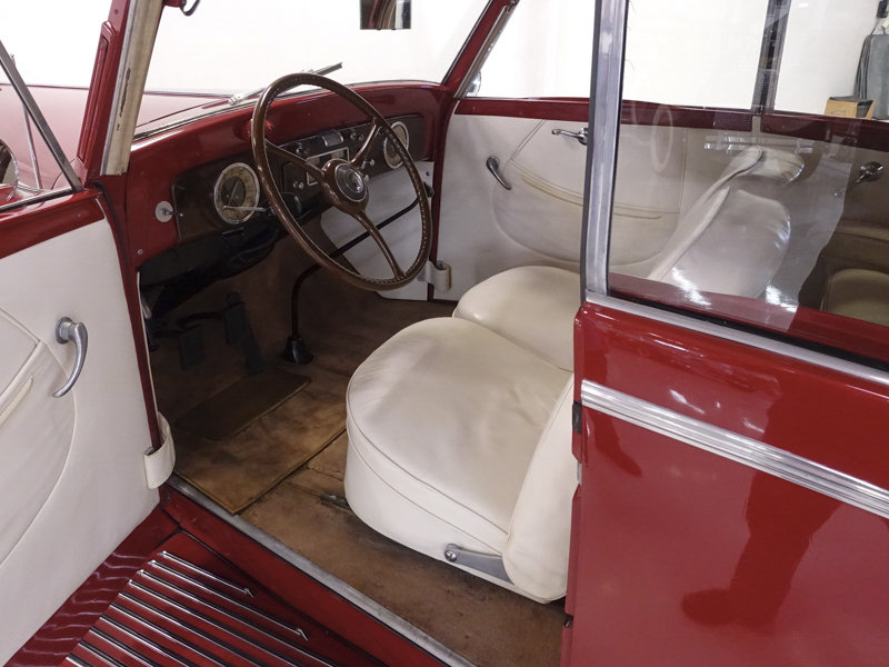1937 Packard 115-C Coachbuilt Cabriolet by Graber For Sale (picture 3 of 6)
