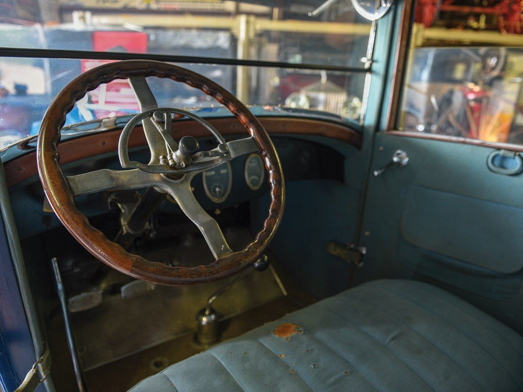 1923 Packard 126 Sedan For Sale by Auction (picture 4 of 6)