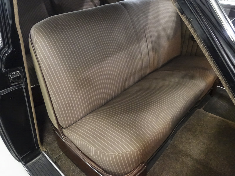 1950 Packard Deluxe Eight Touring Sedan For Sale (picture 3 of 6)