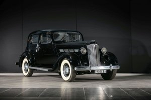 1937 Packard 120 Berline séparation chauffeur - No reserve For Sale by Auction