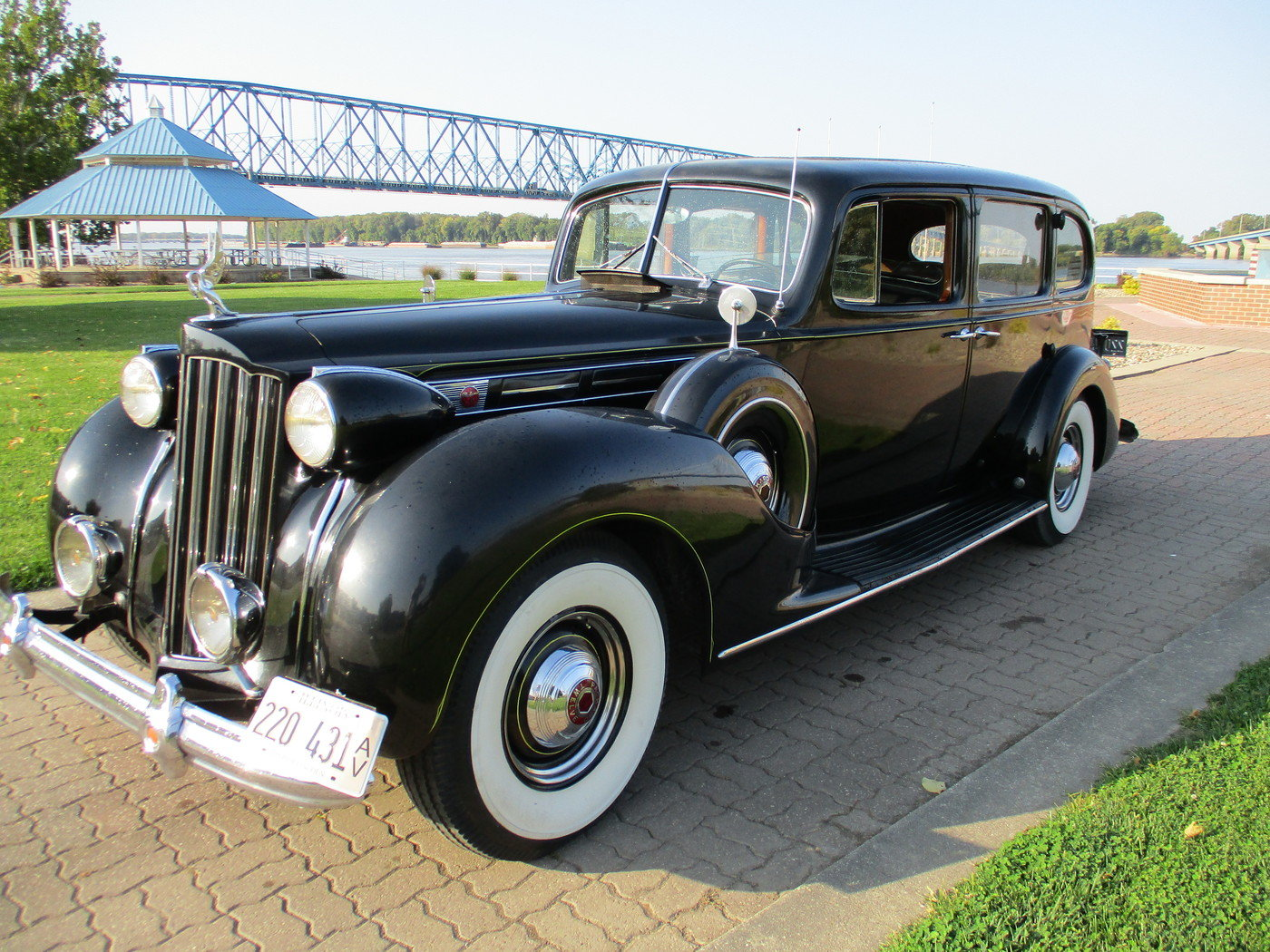 1939 Packard Model 1708 12 Cylinder Limousine For Sale (picture 1 of 12)