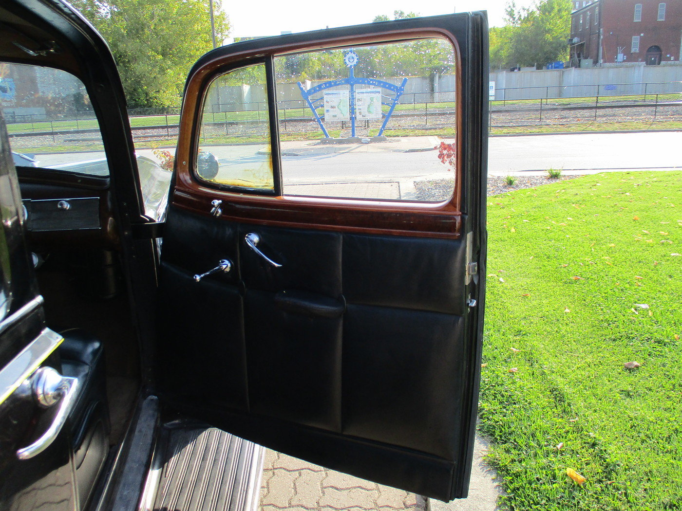 1939 Packard Model 1708 12 Cylinder Limousine For Sale (picture 3 of 12)