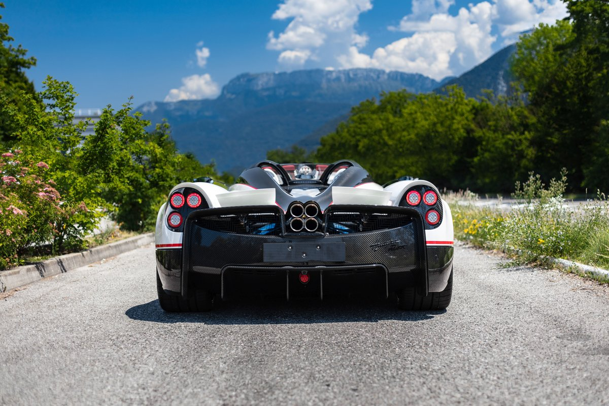 2019 Pagani Huayra Roadster For Sale by Auction (picture 2 of 5)