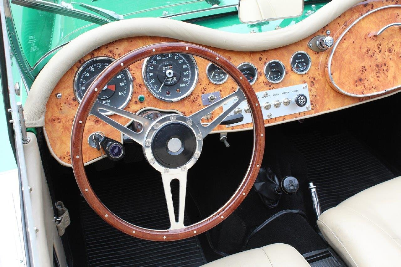 1976 1974 Panther J72 in Parr Green manual O/D For Sale (picture 3 of 6)