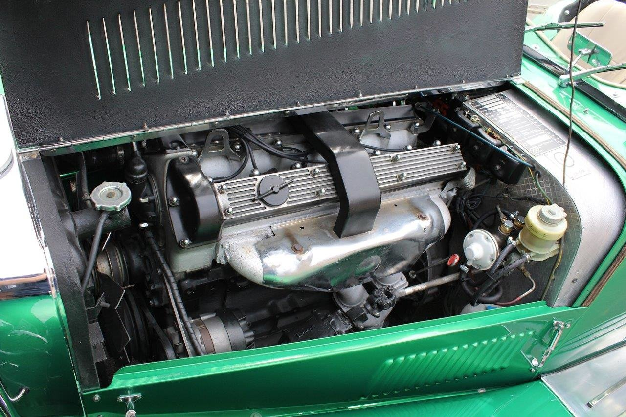1976 1974 Panther J72 in Parr Green manual O/D For Sale (picture 5 of 6)
