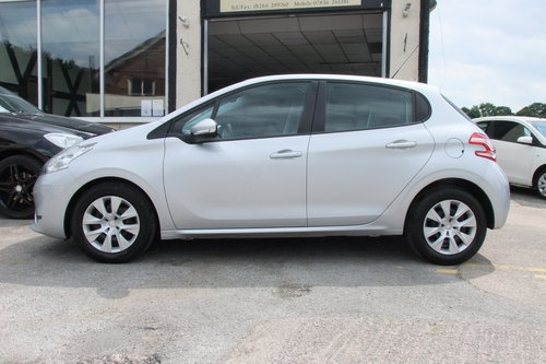 2012 PEUGEOT 208 1.2 ACCESS PLUS 5DR SOLD (picture 2 of 6)