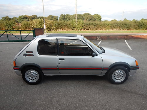 1985 PEUGEOT 205 1.6 GTi Phase One ~ Only 46423 Miles For Sale (picture 3 of 6)