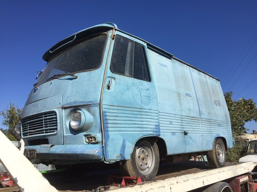 1976 Peugeot J7 petrol engine, ideal food truck REDUCED For Sale (picture 1 of 4)