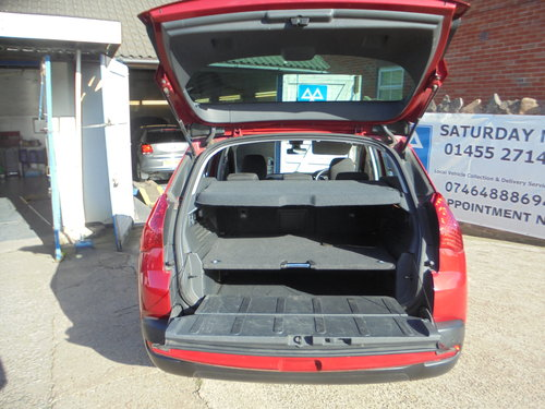 3500 3008 DIESEL MPV IN MATLIC RED SMART 6 SPEED MPV MOTED 11 PLA For Sale (picture 3 of 6)