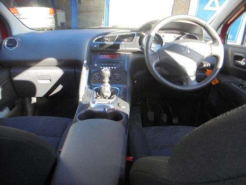 3500 3008 DIESEL MPV IN MATLIC RED SMART 6 SPEED MPV MOTED 11 PLA For Sale (picture 4 of 6)