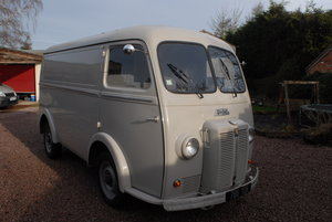 Lovely 1954 Peugeot D3A van in great condition For Sale
