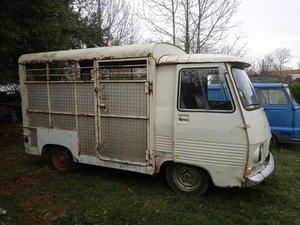 1978 French Peugeot J7 Bétaillère / Horsebox Van For Sale