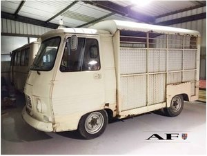 1974 Peugeot J7 Horsebox. Mechanically restored For Sale