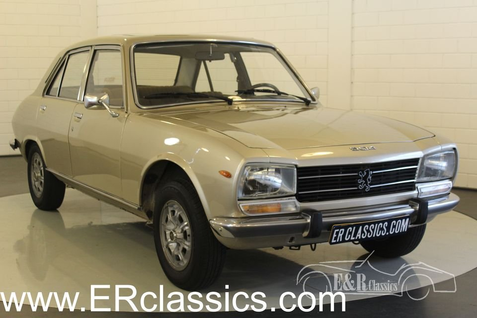Peugeot 504 saloon 1978 sunroof automatic transmission For Sale (picture 1 of 6)