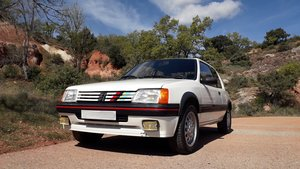 1988 Fantastic & rare 205 gti kit pts 125 ch