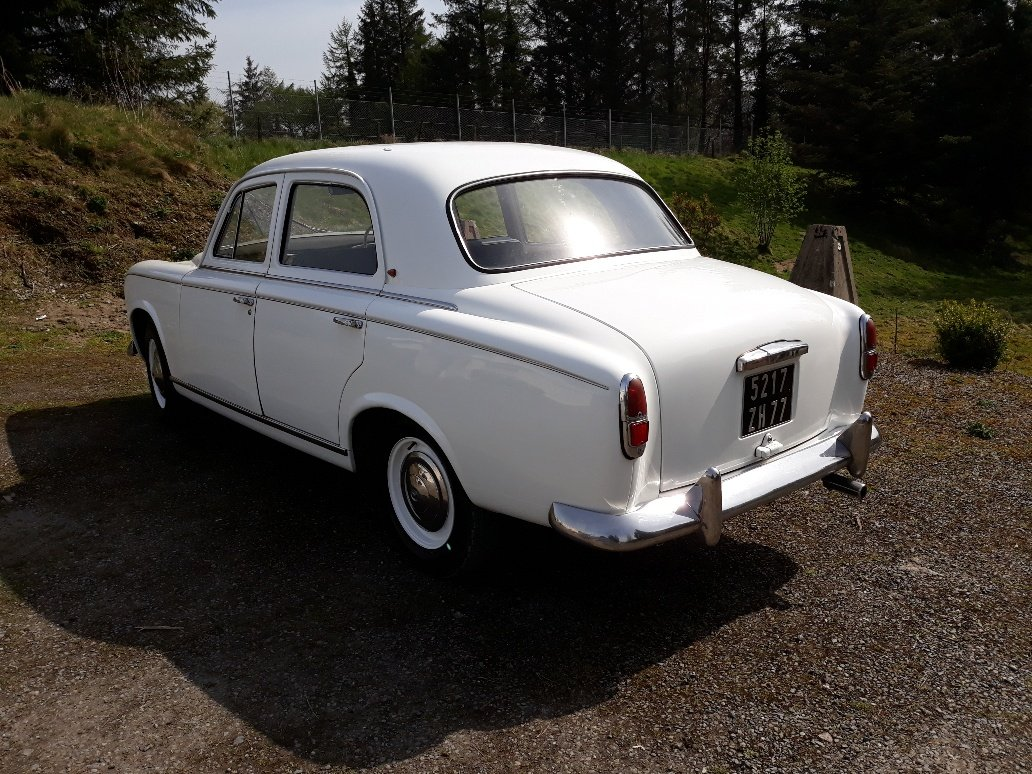 1959 Peugeot 403 RHD For Sale (picture 3 of 6)