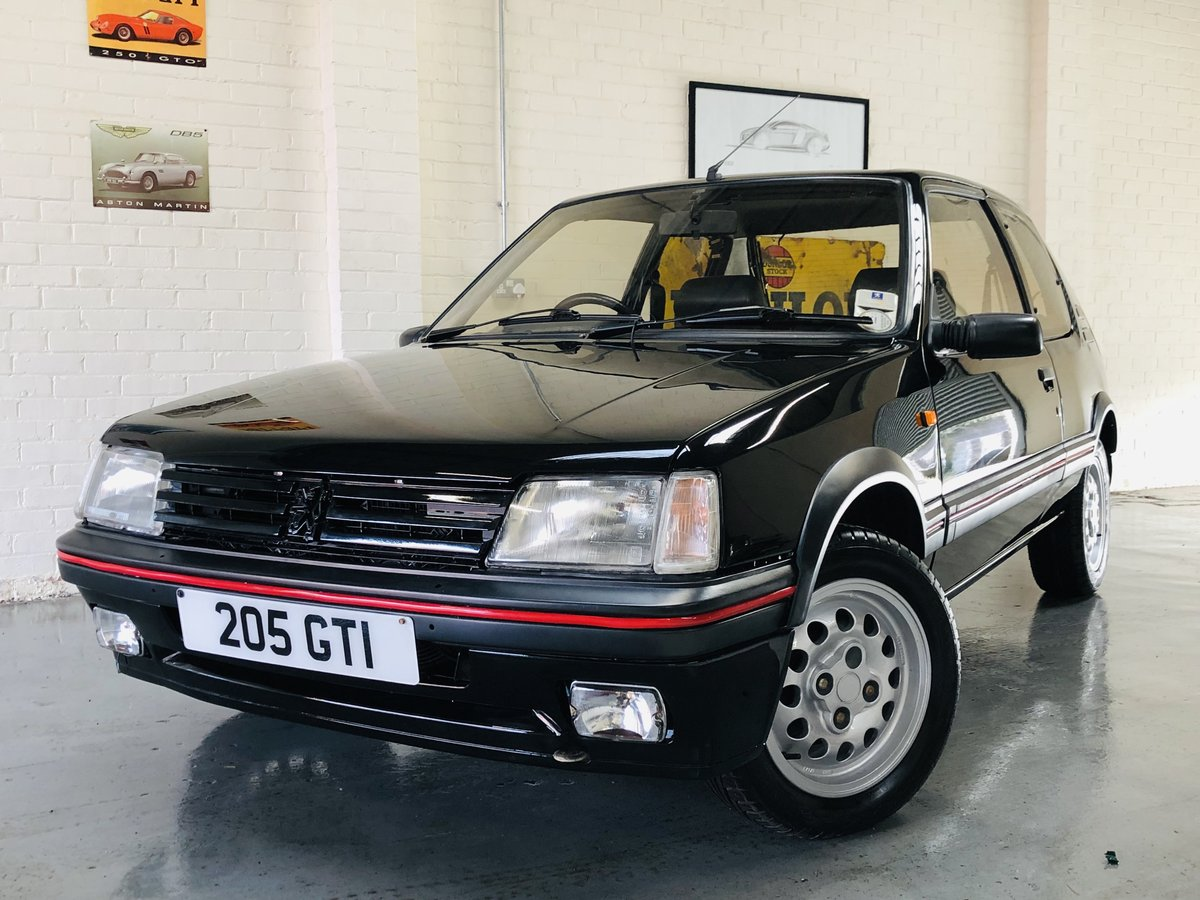 1995 PEUGEOT 205 GTI 1.6 - 2 OWNERS, RESTORED CAR, STUNNING SOLD (picture 2 of 6)
