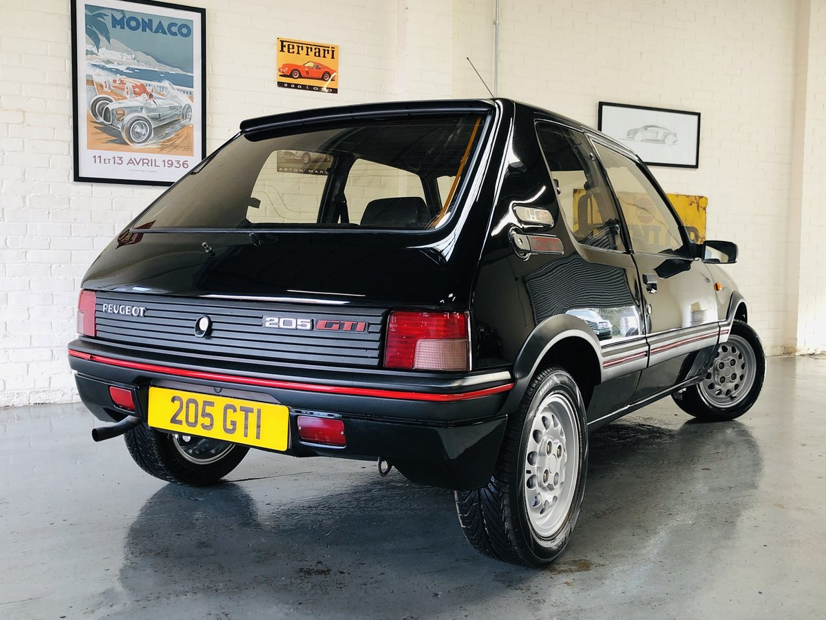 1995 PEUGEOT 205 GTI 1.6 - 2 OWNERS, RESTORED CAR, STUNNING SOLD (picture 3 of 6)