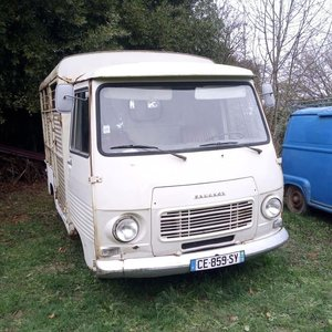 1978 French Peugeot J7 Horsebox - Bétaillère Van For Sale