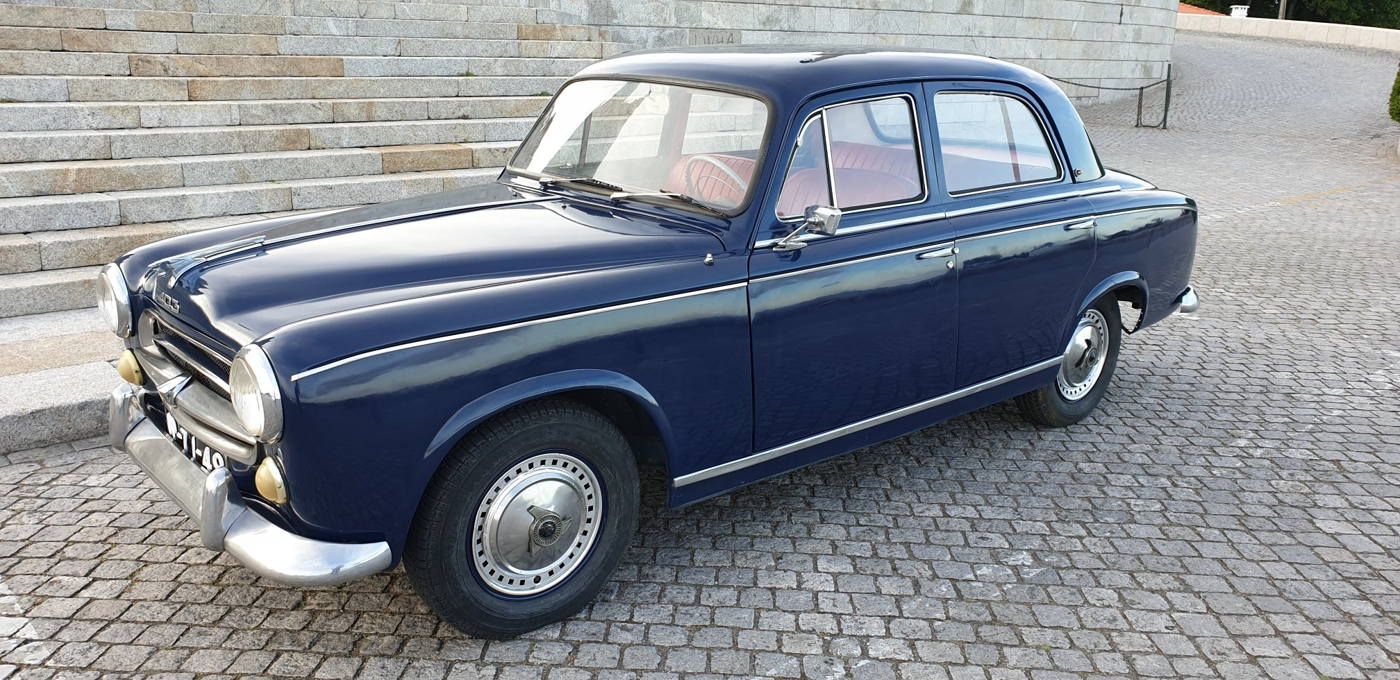 1960 Peugeot 403 Berline Grand Luxe for Sale For Sale (picture 1 of 6)