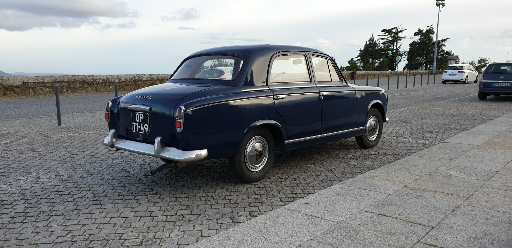 1960 Peugeot 403 Berline Grand Luxe for Sale For Sale (picture 3 of 6)