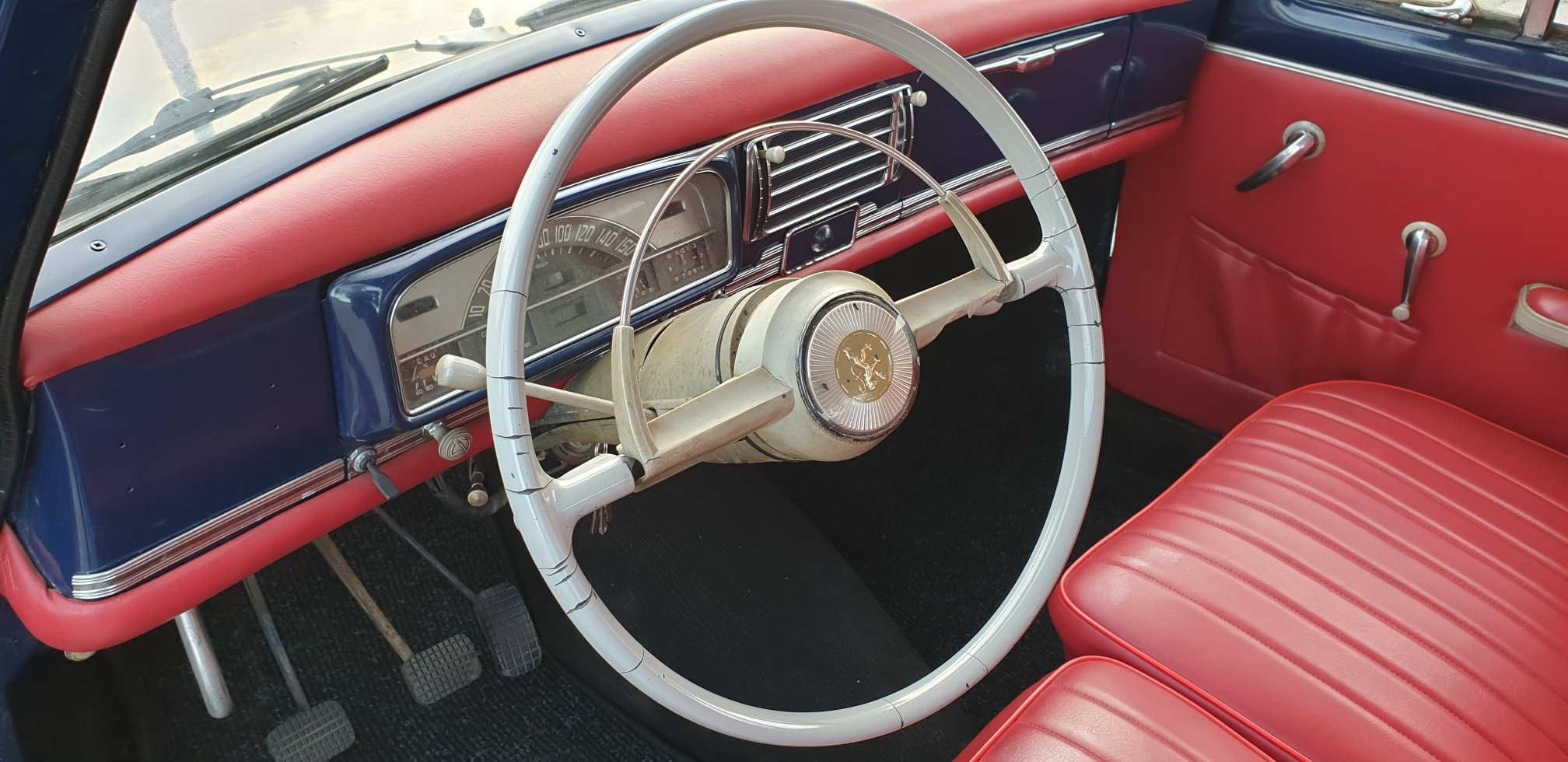 1960 Peugeot 403 Berline Grand Luxe for Sale For Sale (picture 5 of 6)