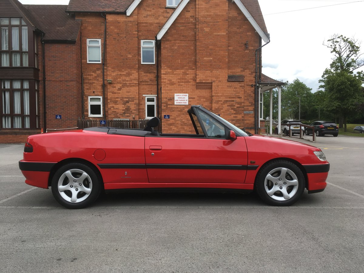 1998 306 Cabriolet 2.0 auto stunning SOLD (picture 4 of 6)