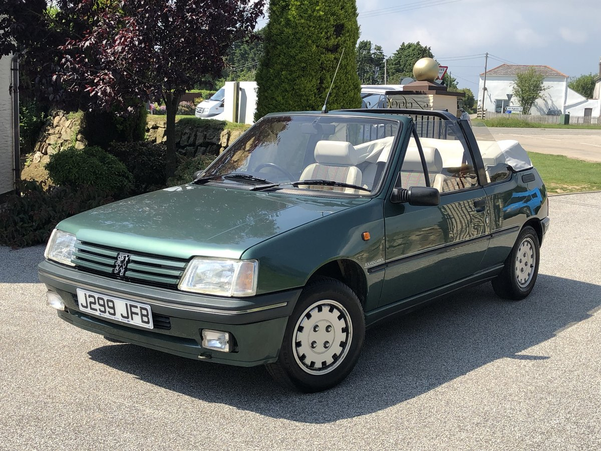 1992 **PEUGEOT 205 ROLAND GARROS CONVERTIBLE 76,000 MILES ONLY!** For Sale (picture 3 of 6)