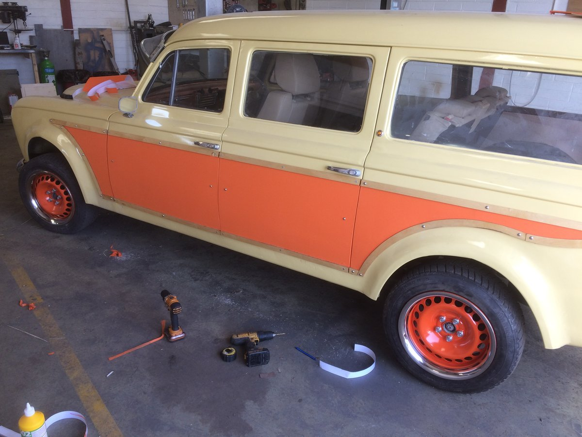 1961 Peugeot 403 Estate - The proverbial hen's tooth... SOLD (picture 1 of 3)