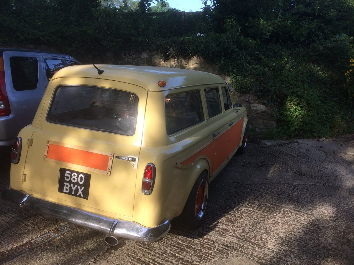 1961 Peugeot 403 Estate - The proverbial hen's tooth... SOLD (picture 3 of 3)