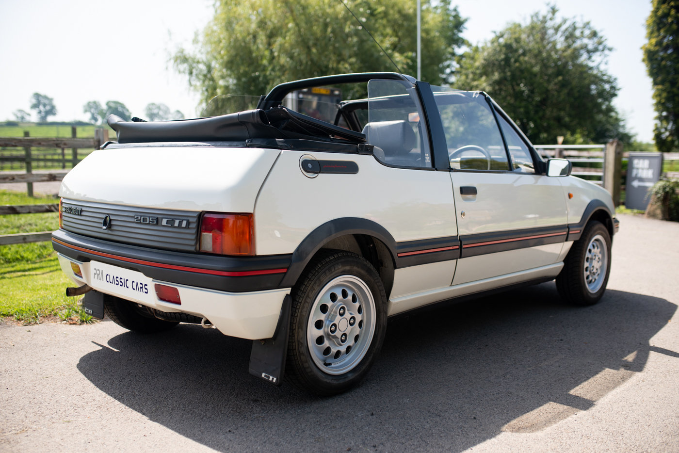 1988 Peugeot 205 CTI 1.6 Convertible For Sale (picture 3 of 6)