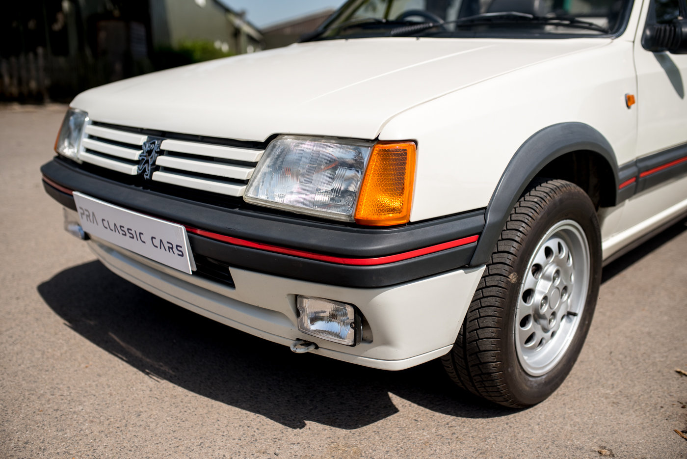 1988 Peugeot 205 CTI 1.6 Convertible For Sale (picture 4 of 6)