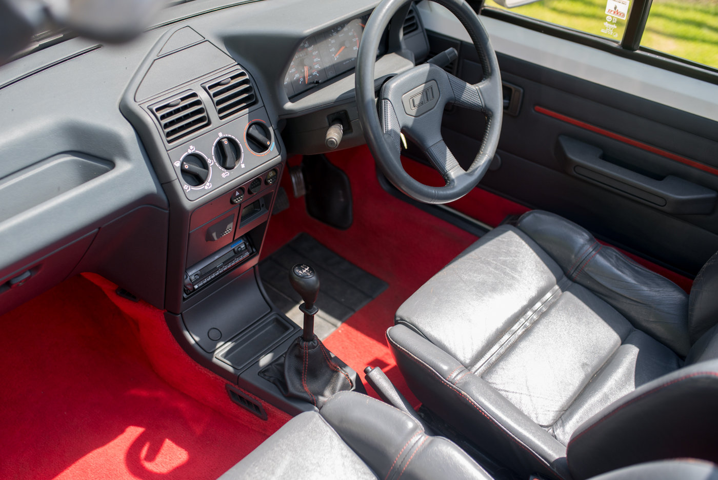 1988 Peugeot 205 CTI 1.6 Convertible For Sale (picture 6 of 6)