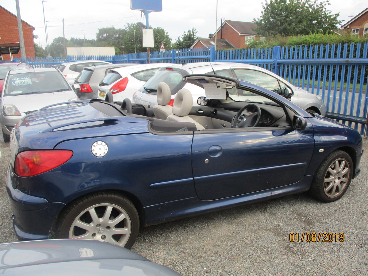 2005 CONVERTIBLE 207 in blue with creme leather trim long MOT 87K For Sale (picture 1 of 6)