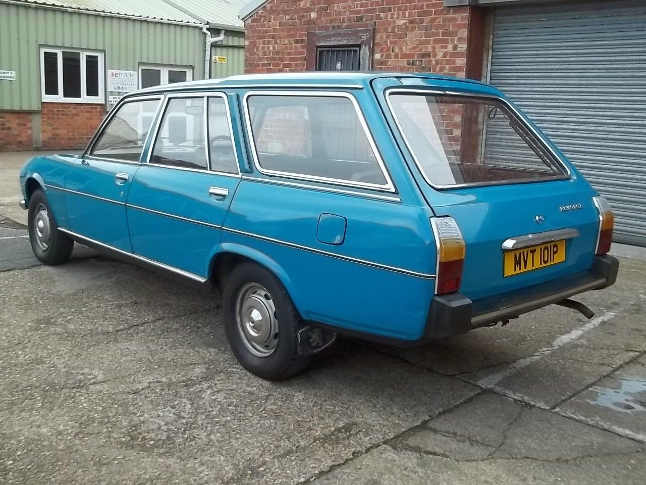 1976 Peugeot 504 2.0 Family Supplying Dealer + 1 owner SOLD (picture 2 of 6)