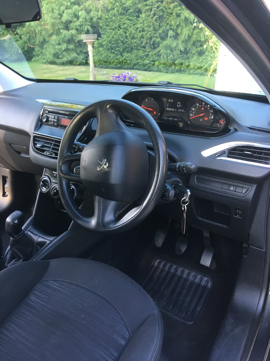 2012 Peugeot 208 1.4 HDi Road-tax exempt For Sale (picture 6 of 6)