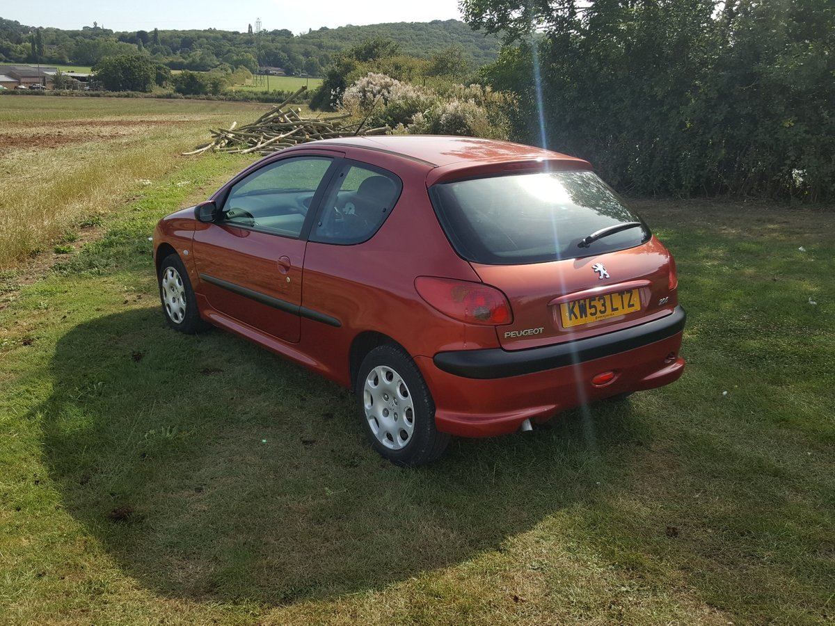 Peugeot 206 S 1.4 Effectively one lady owner from new 2004 For Sale (picture 2 of 6)