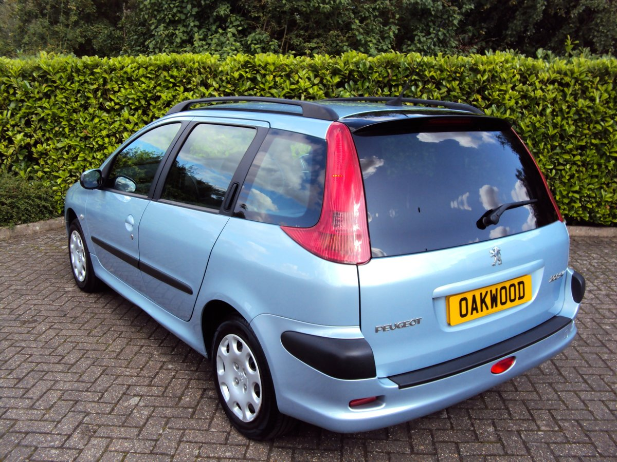 2005 A Lovely Low Mileage Peugeot 206 1.4i SW Estate For Sale (picture 3 of 6)