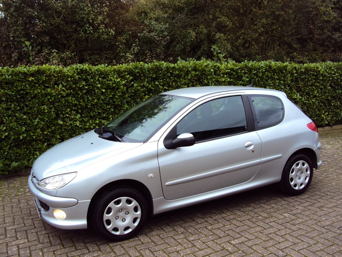 2006 An UNREPEATABLE OPPORTUNITY!! Peugeot 206 1.4 Look 11k miles For Sale (picture 2 of 6)