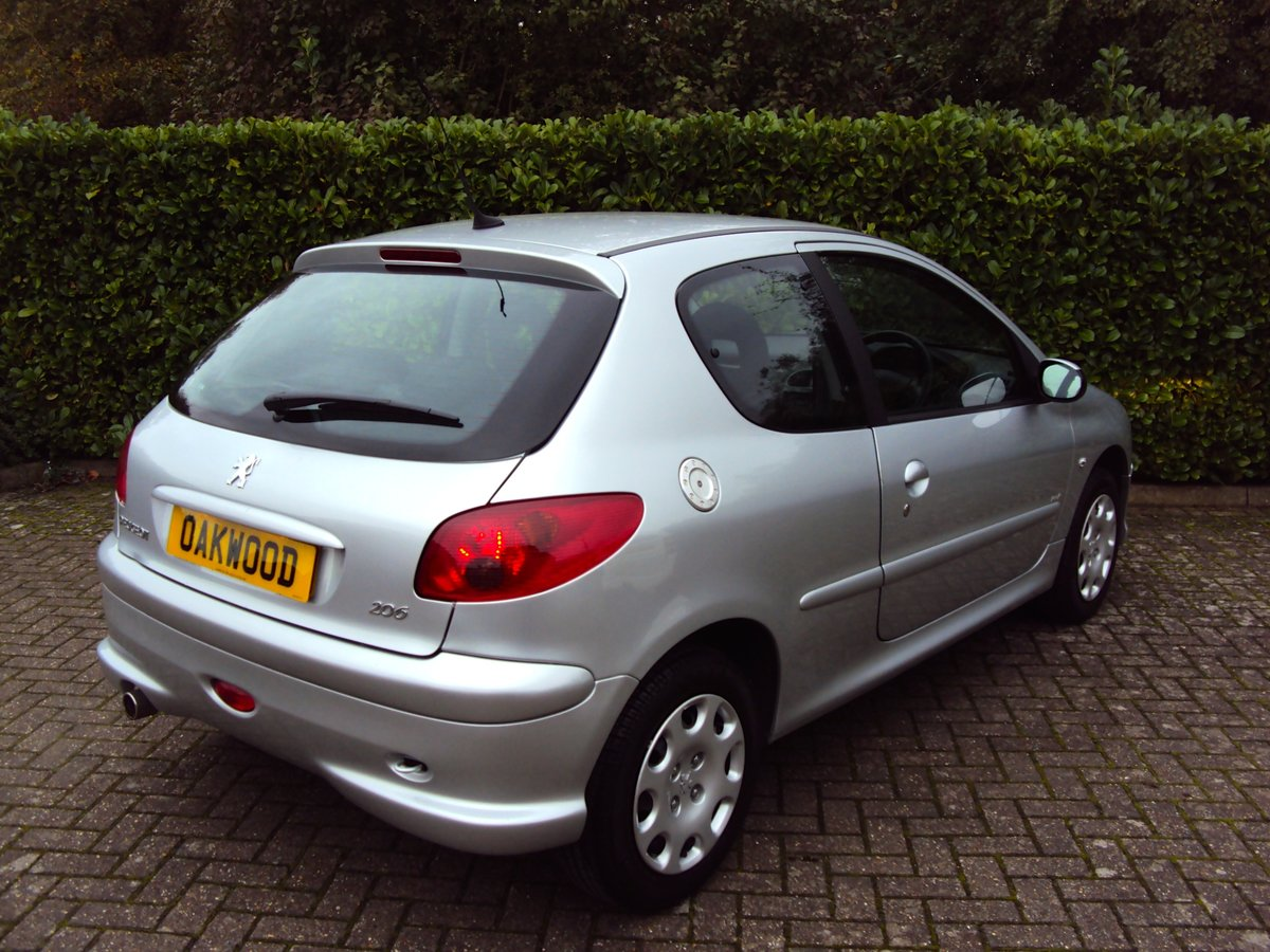 2006 An UNREPEATABLE OPPORTUNITY!! Peugeot 206 1.4 Look 11k miles For Sale (picture 3 of 6)