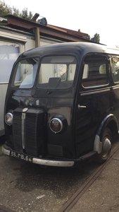 1953 Peugeot D3A Bus omnibus Window Bully Van