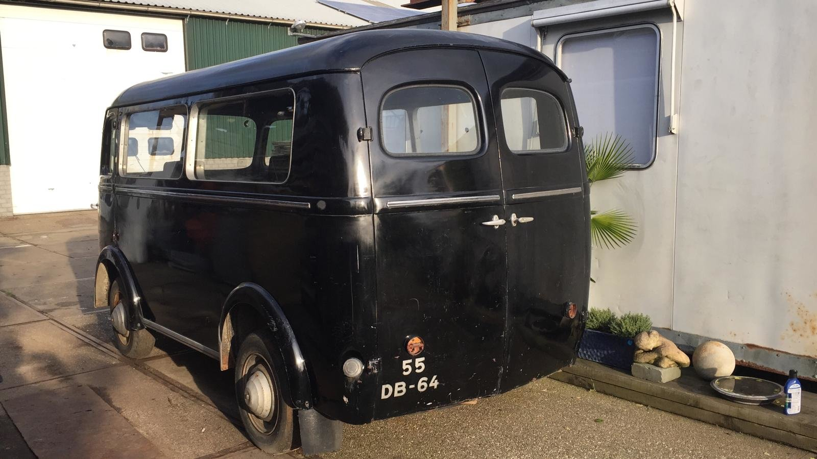 1953 Peugeot D3A Bus omnibus Window Bully Van For Sale (picture 2 of 6)